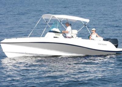 Lancha de Pesca Victory 245 cor cinza