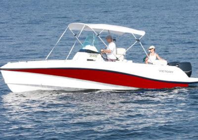 Lancha de Pesca Victory 245 cor vermelho